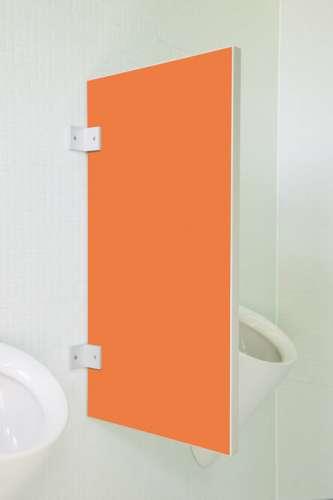 Standard Urinaltrennwand Vittoria in bunten Farben Orange